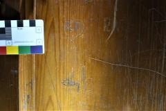 Panelling graffiti.