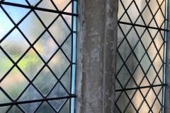 Cross, vertical line