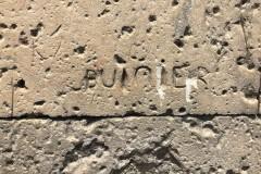 Burier