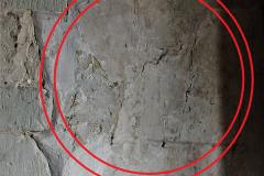 Pair of faint parallel compass-drawn circles, south aisle, east pillar, south side, enhanced