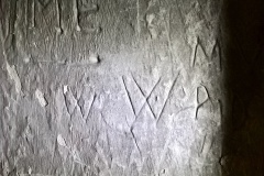 Initials, ME, W (possible Marian mark)